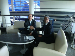 Meeting of EURAMET Chairperson, Kamal Hossain and Director of NIMT, Prayoon Shiowattana, prior to metrology session.